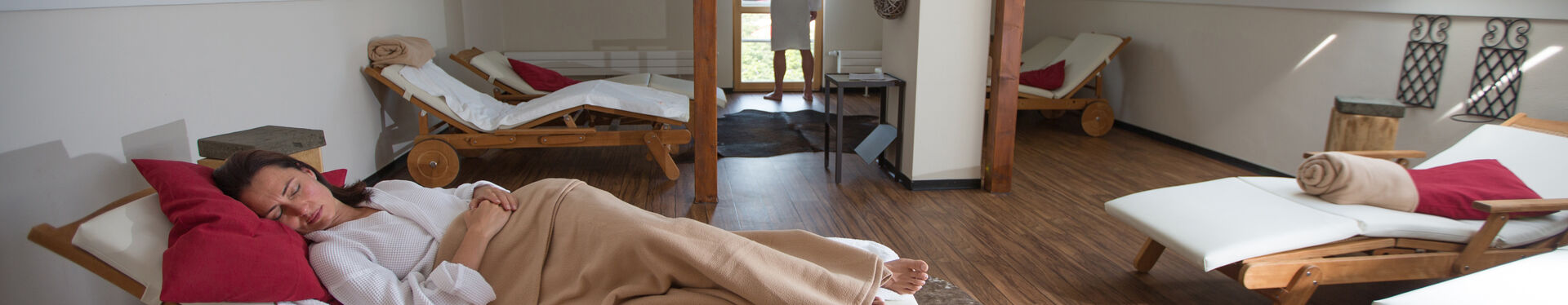 Entspannen Sie im Saunabereich der GraftTherme und gönnen Sie sich Urlaub vom Alltag.